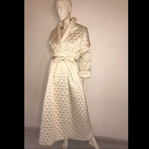 60s VANITY FAIR Creamy White Satin Quilted Robe